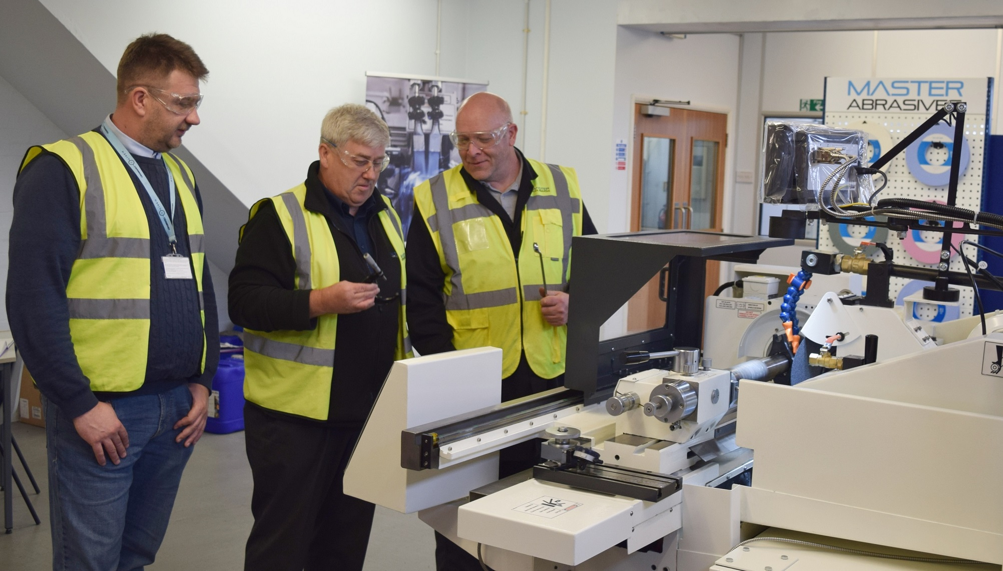Our applications engineers can provide technical advice on the grinding process